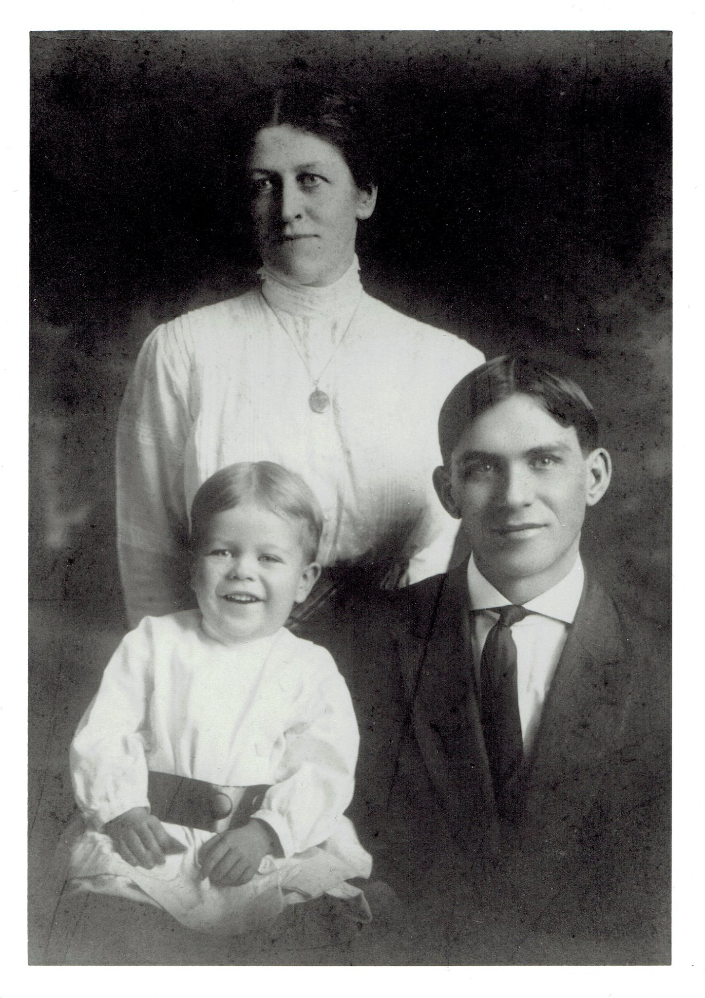 Max J. Palmer at age 2 with his parents (1914).