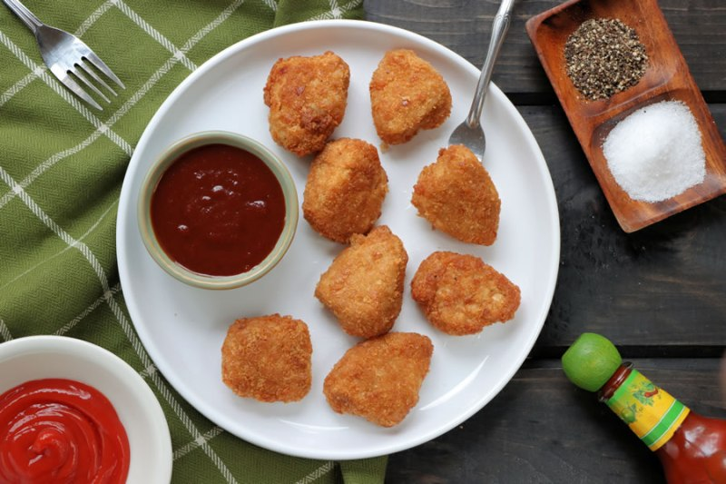 Veestro Chik'N Nuggets Plate With BBQ Sauce
