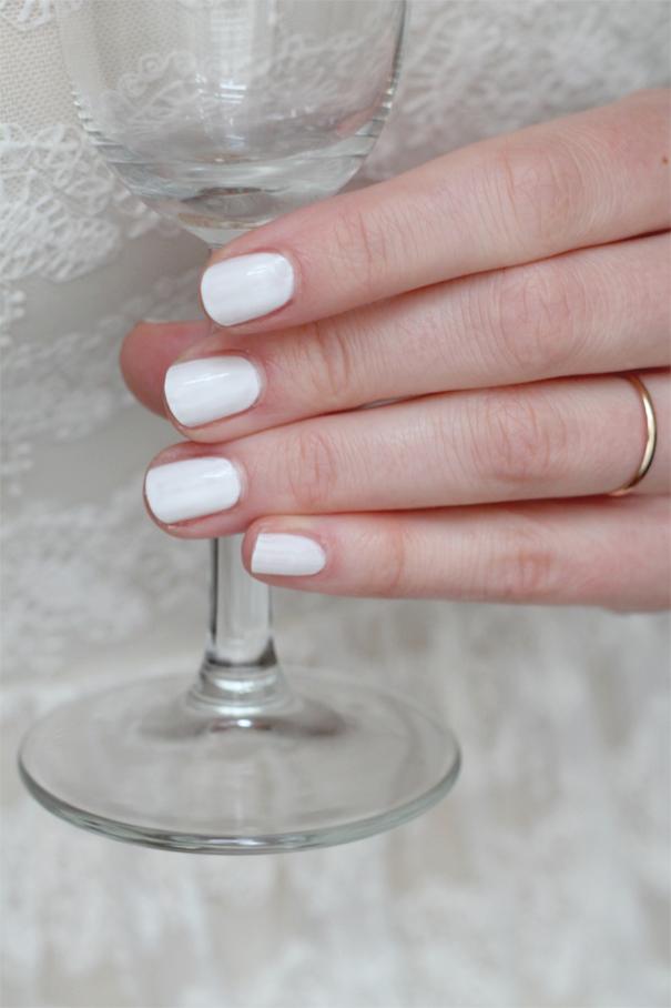 vegan_wedding_manicure_white