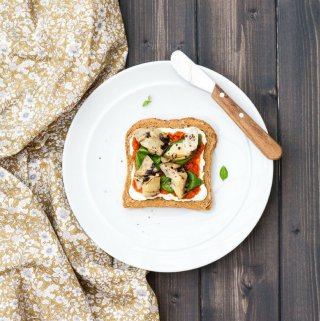 Forget sandwiches, this Mediterranean toast makes a tasty, healthy, quick and easy lunch that will have you coming back for more.