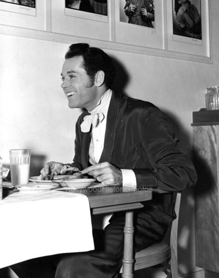 Fonda at WB Commissary while working on JEZEBEL