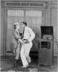 publicity-photo-rudolph-valentino-dancing-the-tango-with-alice-terry-in-the-four-horsemen-of-the-apocalypse