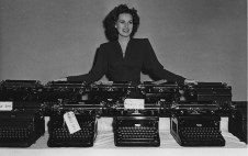 Maureen O'Hara and typewriters donated for WWII