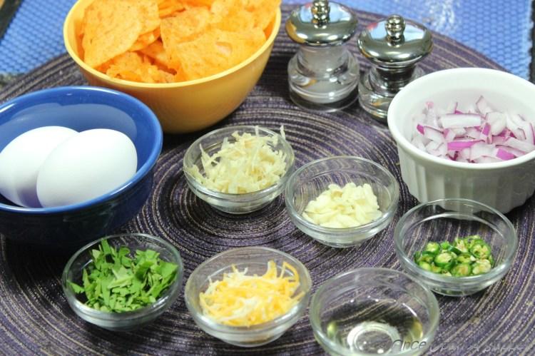 Wafer par Eeda -- the popular Parsi-style egg on potato chips
