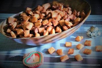 Sweet Shakarpara or Shankarpali -- the timeless Indian festival snack