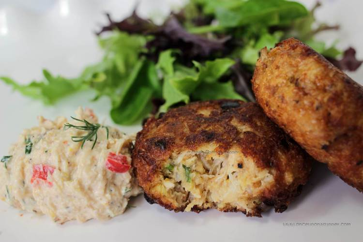 Maryland style Crab cakes — an absolutely delicious classic seafood appetizer