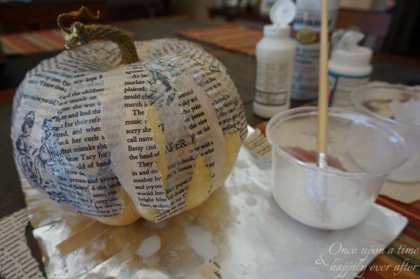 DIM, Did it Myself: Book Page Pumpkins