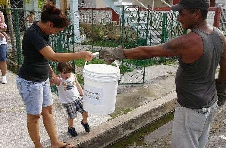 Reciclaje de basura en Cienfuegos