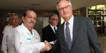 Abelardo Moreno and Christian Leffer at the official greetings of a previous round of EU-Cuba talks.