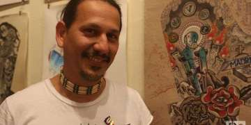 Leo Canosa, artist founder of La Marca, a tattoo studio gallery in Cuba. Photo: Ismario Rodríguez.