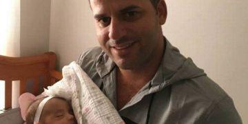 Gattorno embracing his daughter Valeria. Photo: El Nuevo Herald.