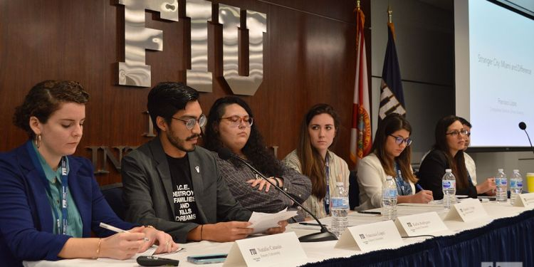 Panel on Cuba and Puerto Rico at the 12th Conference on Cuban and Cuban-American Studies. Photo: Marita Pérez Díaz.