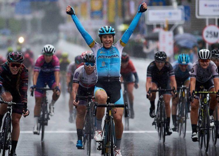 Arlenis Sierra wins in a race. Photo: Astana Women's Team / Archive.