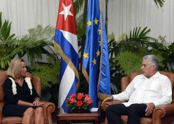 The head of European diplomacy, Federica Mogherini, talks with Cuban President Miguel Díaz-Canel in Havana on Monday, September 9, 2019. Photo: @CubaMINREX / Twitter.