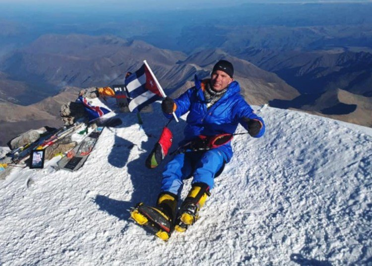 Cuban Yandy Núñez on top of Europe. Photo: Courtesy of the interviewee.