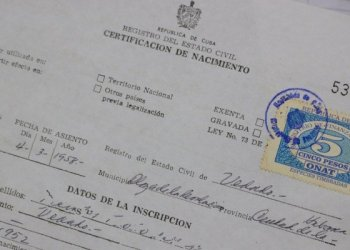 Birth certificate in Cuba. Photo: @CubaMinjus / Twitter.