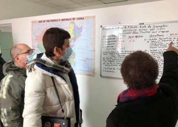 Cuban doctors who arrived in China to strengthen, from the medical post of the island's embassy in Beijinig, the fight against the new coronavirus. Photo: @EmbacubaChina / Twitter