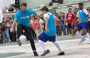 Sergio Ramos, capitán del Real Madrid, jugó fútbol callejero en La Habana. Foto: Otmaro Rodríguez.