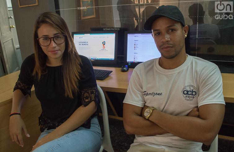Aliana Sánchez y Danny Almeida, dos de los miembros del equipo de Dalovra Solutions y Quiniela Cuba. Foto: Otmaro Rodríguez.