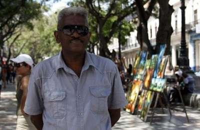 Cecilio Avilés es el director del proyecto que nuclea a más de 200 artistas dedicados a brindar talleres gratuitos / Foto: Andy Ruiz.