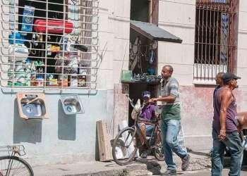Revendedores en Cuba