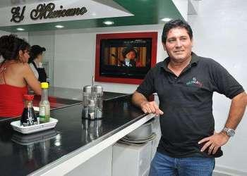 Jorge se dedicaba a la crianza de chivos antes de lanzar su cafetería, una de las más exitosas de La Habana / Foto: Raquel Pérez.