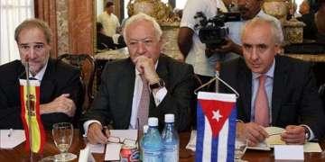 José Manuel García-Margallo, Ministro de Asuntos Exteriores y Cooperación de España (al centro), en La Habana / Foto: Tomado de EFE.