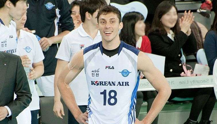 The club KAL Jumbos Korean Air Team from South Korea hosts in its ranks the Cuban Michael Sanchez for the second consecutive season.