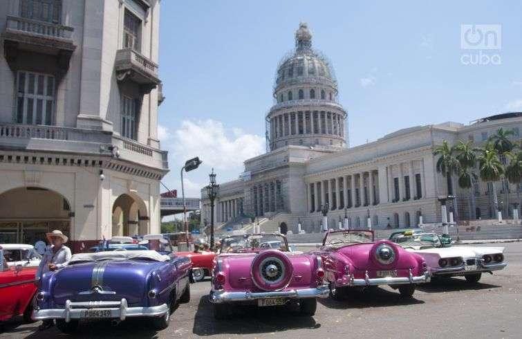 Old American cars are part of Cuba's tourist iconography. Photo: Roberto Ruiz.