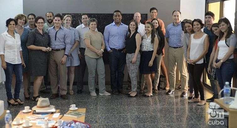Miembros de una delegación empresarial norteamericana visitaron la sede de OnCuba. Foto: Alain L. Gutiérrez