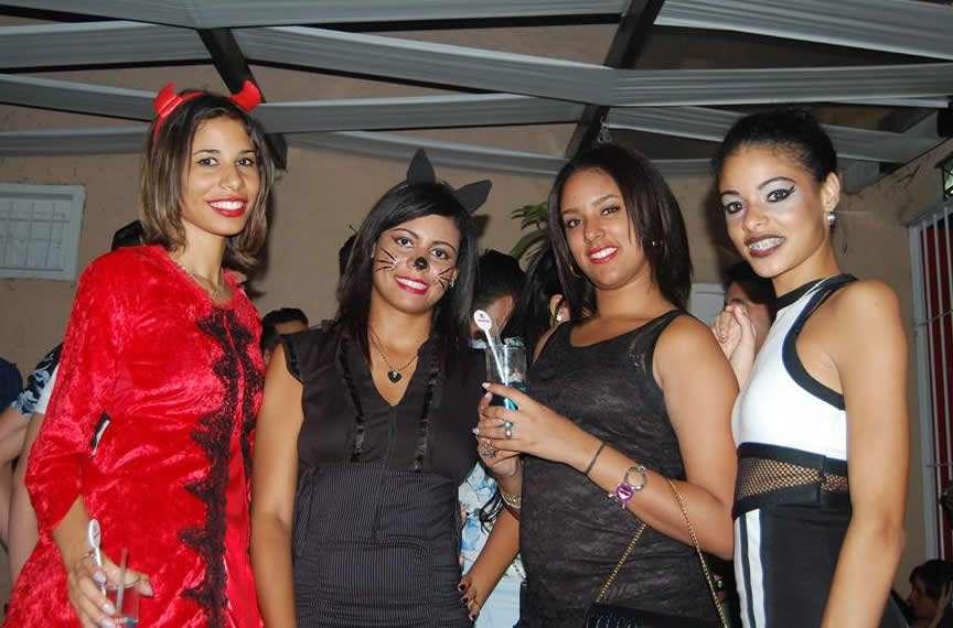 Foto-5.Fiesta-Halloween-en-Hogos-bar