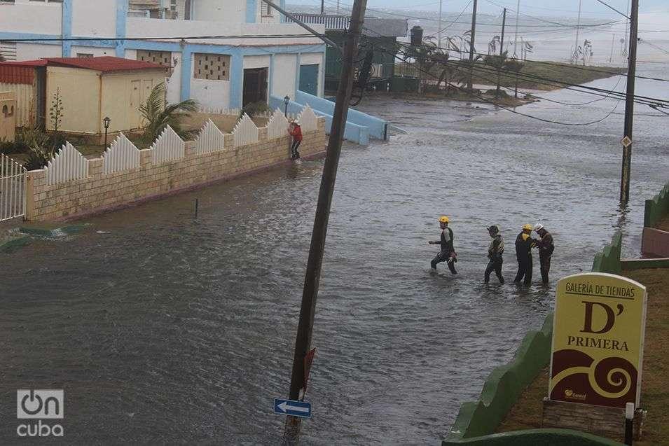 Inundación-del-Malecón-Penetración-del-Mar-en-La-Habana-Cuba-Invierno-de-Enero-2015-11