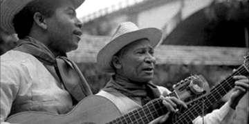 Reinaldo Hierrezuelo, izquierda, trascendió por su participación en el dúo Los Compadres.