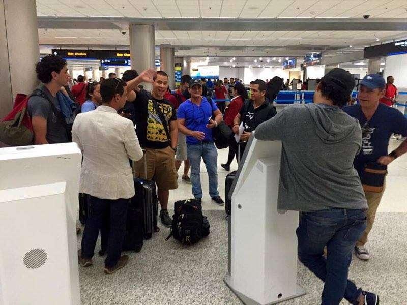En el aeropuerto internacional de Miami, rumbo a Puerto Rico.