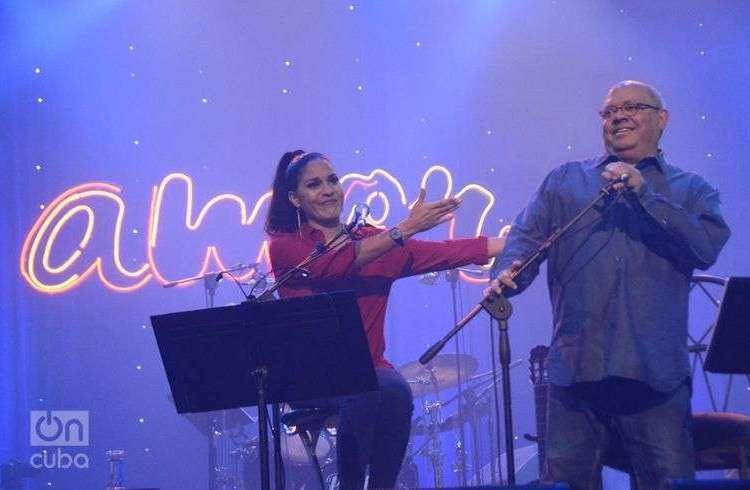 Amor, Haydée Milanés a dúo con Pablo Milanés. Teatro Karl Marx. Foto: Roberto Ruiz