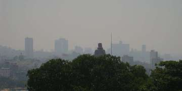 La Habana bajo una densa capa de Polvo del Sahara. Fotografía tomada por el Meteorólogo Lic. Elier Pila desde la Loma de Casablanca, en La Habana, el 15 de agosto del 2014 a las 3:18 p.m.