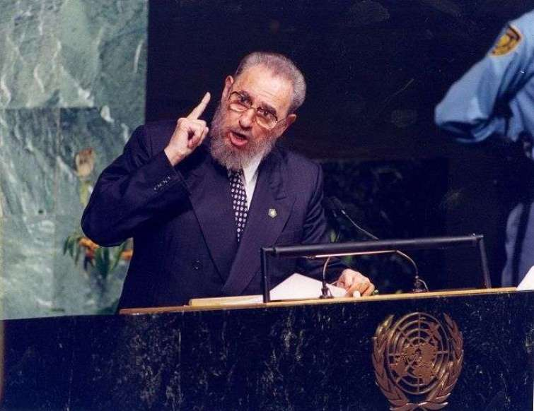 Durante la Cumbre del Milenio, Fidel Castro vuelve a dirigirse a la Asamblea General de las Naciones Unidas en Nueva York. En septiembre de 2000.