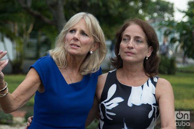 Jill Biden with Regina Balaguer. Photo: Ismario Rodríguez.