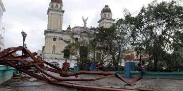 El huracán Sandy, categoría 2, se ensañó con la ciudad de Santiago de Cuba el 25 de ocutbre de 2012. Foto: Franklin Reyes / AP.