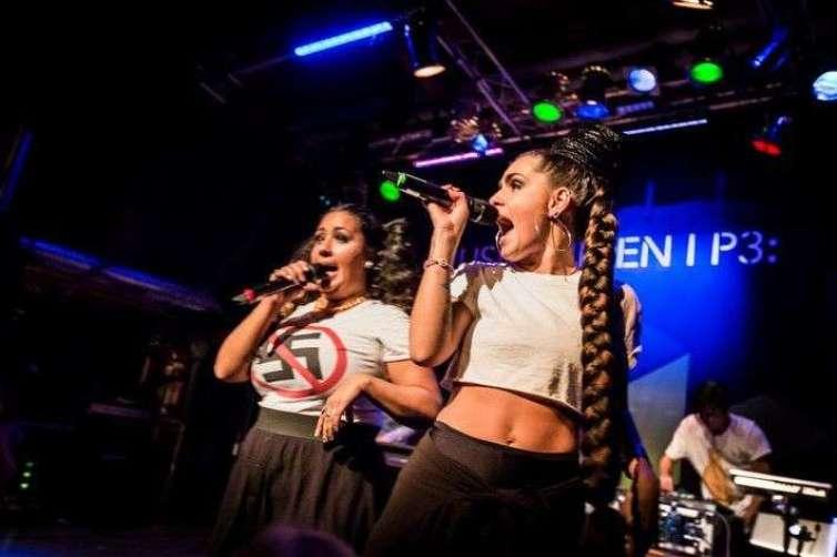 Cleo, Kristin Amparo & Broke 'N Tipsy. Foto tomada de rockfoto.
