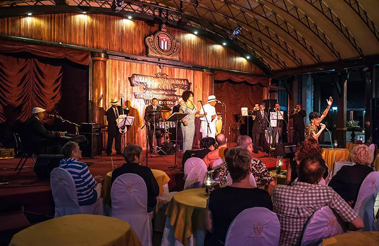 Leyendas.COM in a performance at the National Hotel of Cuba. Photo: Cuban Old Music en Facebook.