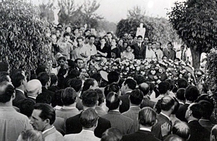 The Cuban champion's funeral in Havana's Colón Cemetery. Photo: chesshistory.com