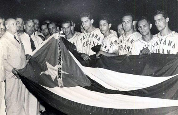 Los Havana Cubans celebrando el triunfo en el campeonato de 1946 en la Liga Internacional de La Florida. Foto: elnuevoherald.com.