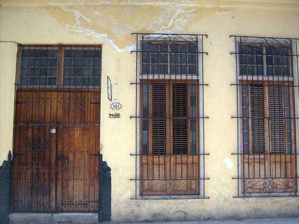 Una de las viviendas de la extraordinaria mujer, ésta en la calle San Miguel 161 entre Belascoaín y Gervasio. Foto: Cáliz Moré Leal/Radio COCO.