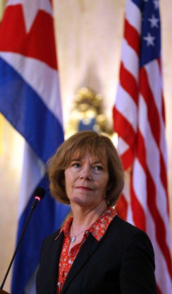 Minnesota Lieutenant Governor Tina Smith during a press conference in Havana. Photo: Alejandro Ernesto / EFE.