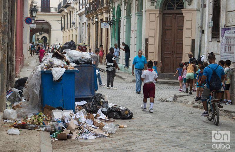 Basurero en Centro Habana. Foto: Otmaro Rodríguez.