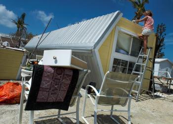 El potencial peligro que supone María se concreta apenas una semana después del paso del huracán Irma por islas del Caribe, Puerto Rico y el sureste de EE.UU. En la imagen, Cayo Marathon. Foto: Giorgio Viera / EFE.
