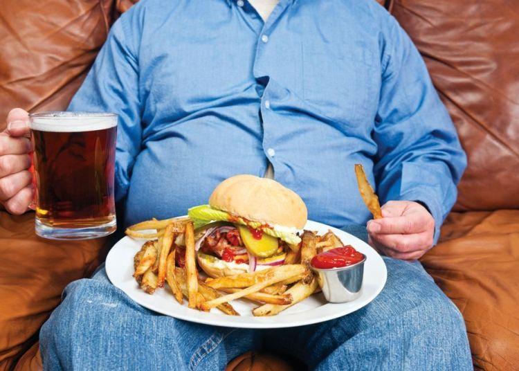 2000 millones de habitantes en el mundo tienen sobrepeso o son obesos.