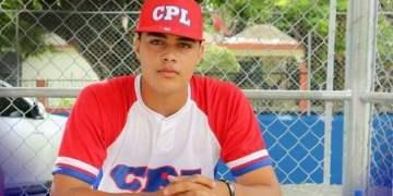 El joven lanzador cubano Osiel Rodríguez. Foto: Perfil del deportista en Facebook.