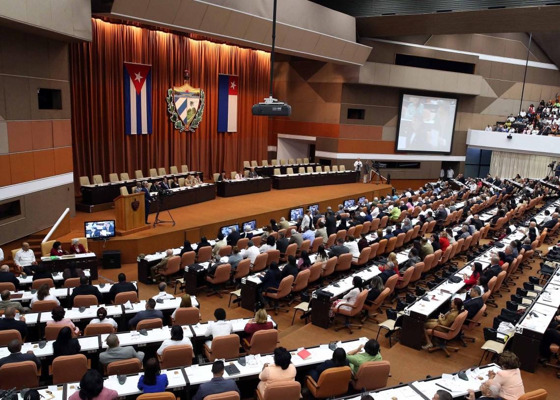 Vista general de la sesión constitutiva de la IX Legislatura de la Asamblea Nacional del Poder Popular de Cuba. Foto: Alejandro Ernesto / EFE.